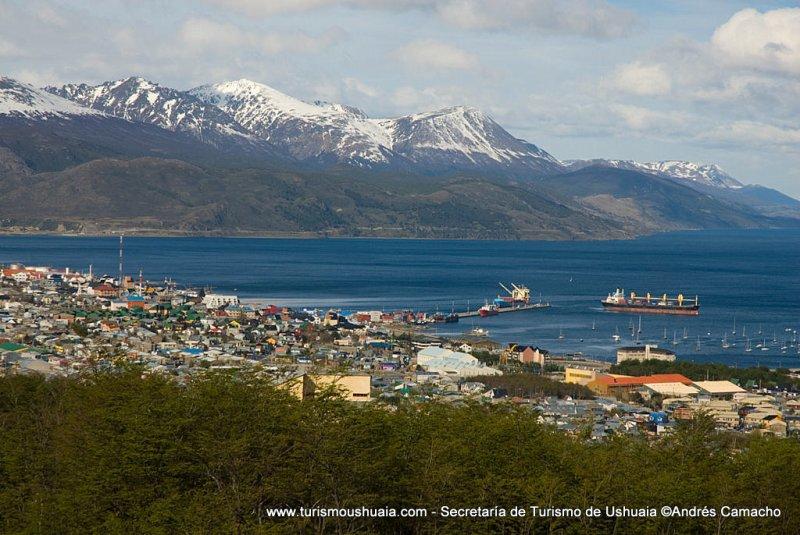 """""""Fuente: www.turismoushuaia.com - Sitio Oficial de la Secretaría de Turismo - Municipalidad de Ushuaia""""."""