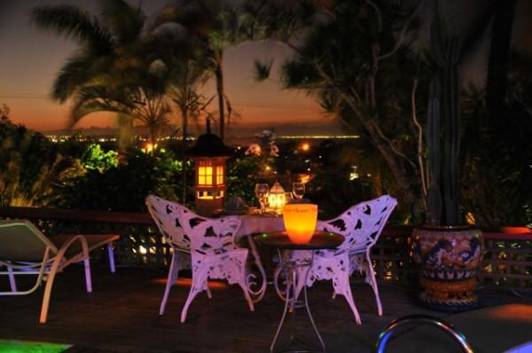 mesa_piscina_noite_640x425