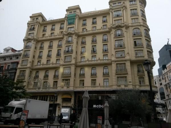 Hotel bem localizado em Madrid