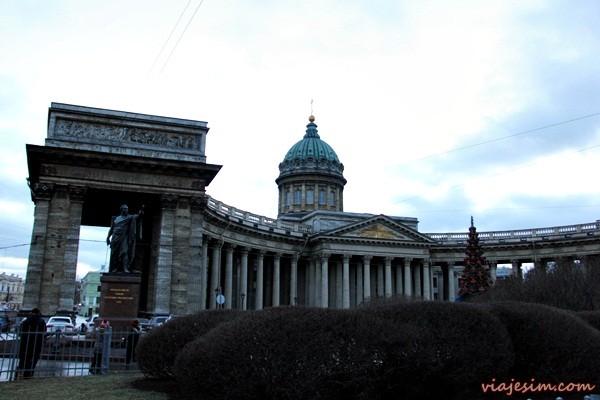 igrejas de são petersburgo rússia sangue derramada kazan santo isaac e pedro e paulo