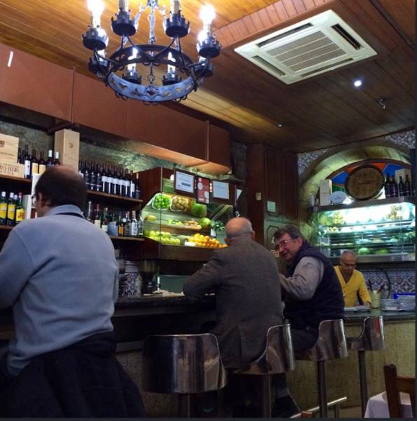 onde comer no Porto Portugal Assador Típico