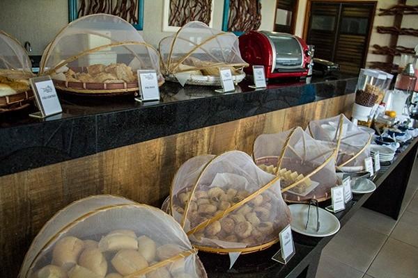 Onde ficar em Porto de Galinhas Hotel em Porto de Galinhas Tabaobi Smart Hotel Tabaobi - pães do café da manhã