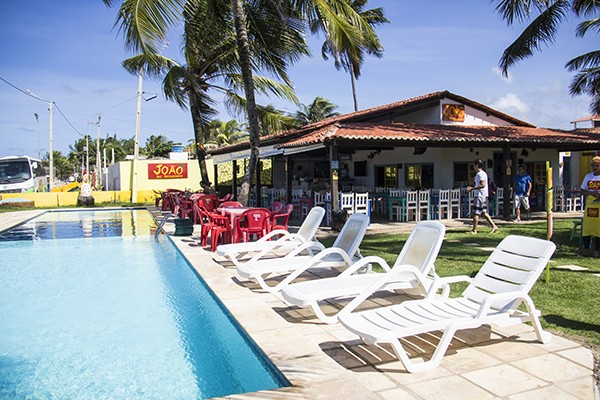 Dicas práticas para sua viagem a Porto de Galinhas Restaurante João - piscina