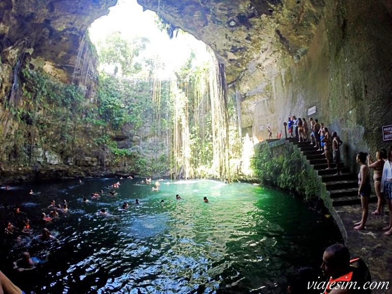 Cenote Ik Kil visto de dentro