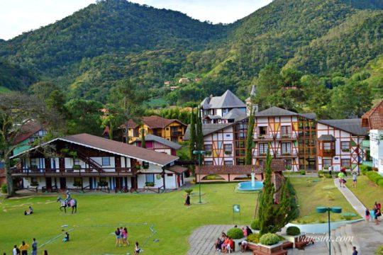 A estrutura do Village Le Canton e todo complexo na serra é incrível